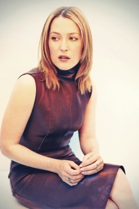 Gillian-Anderson-leather-dress