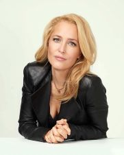 gillian-anderson-vulture-portraits-at-the-2017-nycc-1
